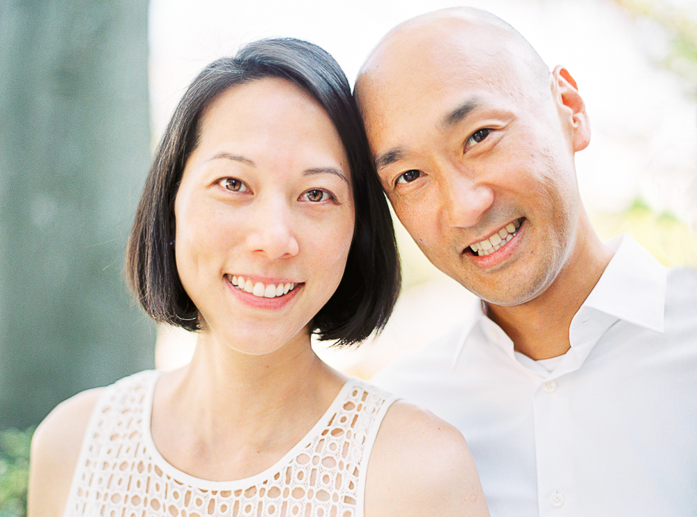 lifestyle-portrait-of-couple